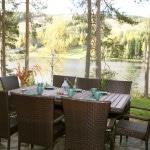 Villa_Ozero_terassi_rannalla_kauniit_maisemat_Kuopio_Tahko